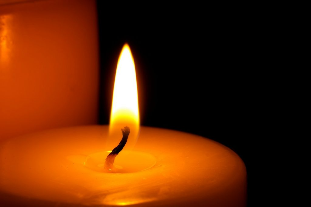 candle-flame-close-up-background